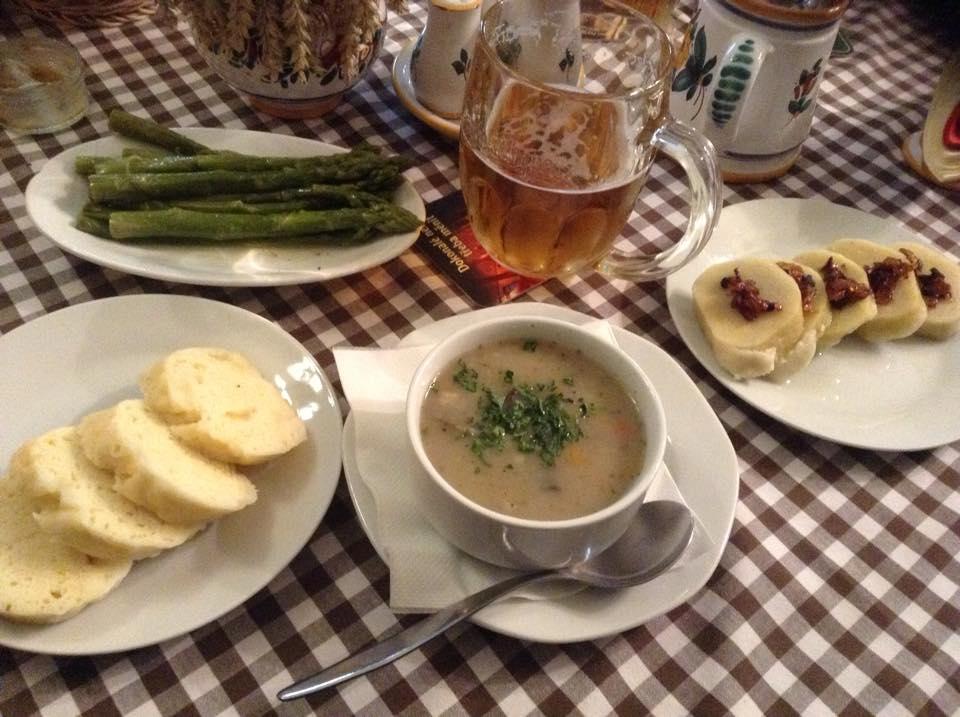 Plat végétarien au restaurant STAROMACEK à Prague.
