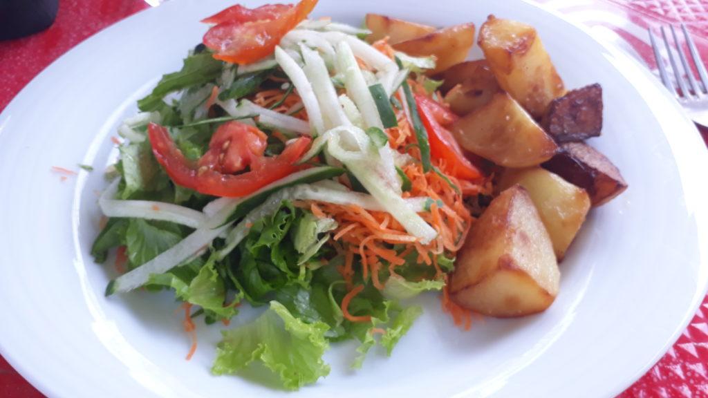 assiette végétarienne Chez Cousin Mayotte