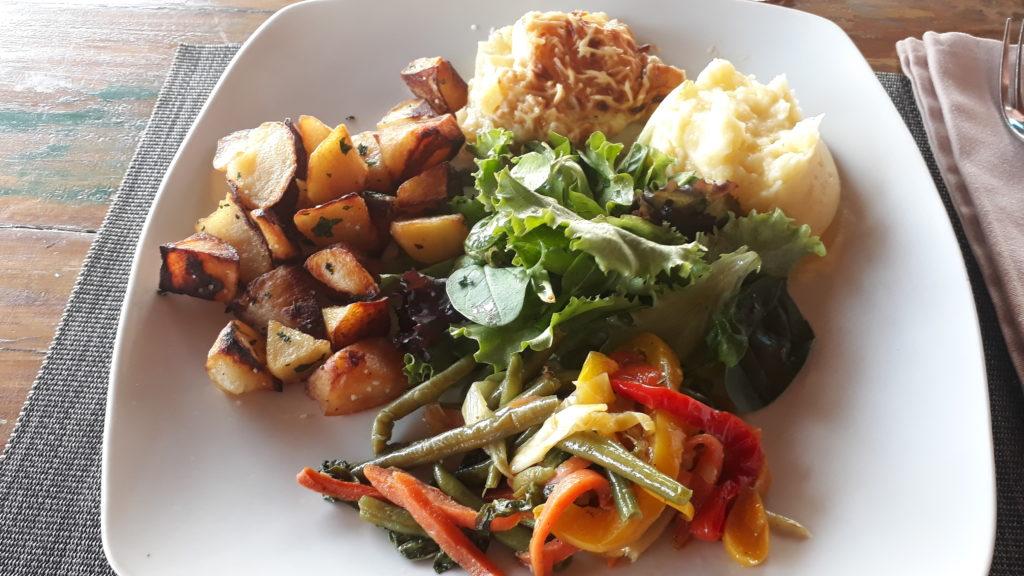 assiette végétarienne Le Faré Mayotte